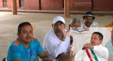 Alcalde michoacano -otro- es exhibido en compañía de