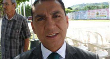 PRD expulsa a edil de Iguala; piden desaforarlo y Bejarano lo acusa de asesino