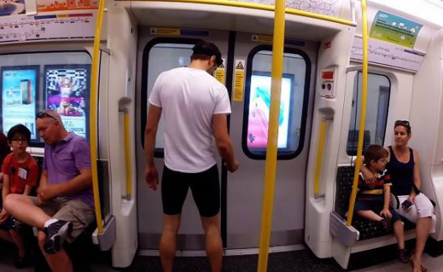 Un hombre corre tan rápido como el Metro de Londres... ¿competencia para Usain Bolt?