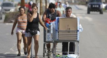 Jefe de Protección Civil en Cabo San Lucas acusado de rapiña tras paso de
