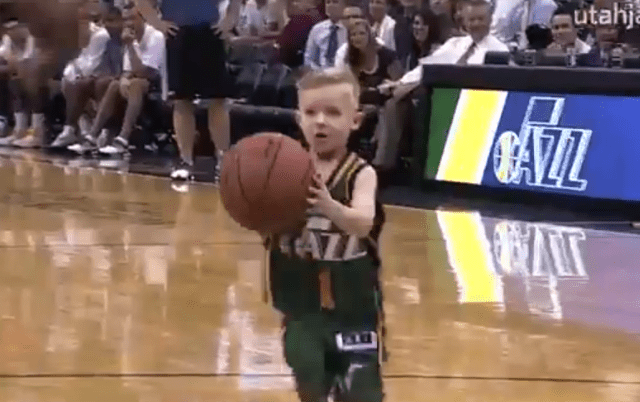 Video: Niño de 5 años cumplió su sueño de jugar en la NBA