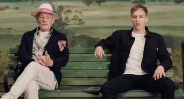 Gandalf ayuda a George Ezra a cantar en su video para