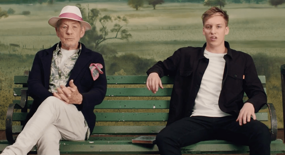 Gandalf ayuda a George Ezra a cantar en su video para