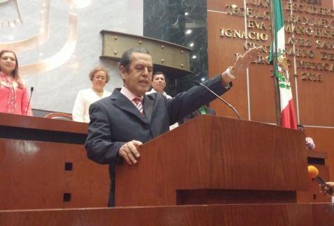 Prioridad encontrar a normalistas: nuevo gobernador de Guerrero; bloquean 8 hrs autopista Del Sol