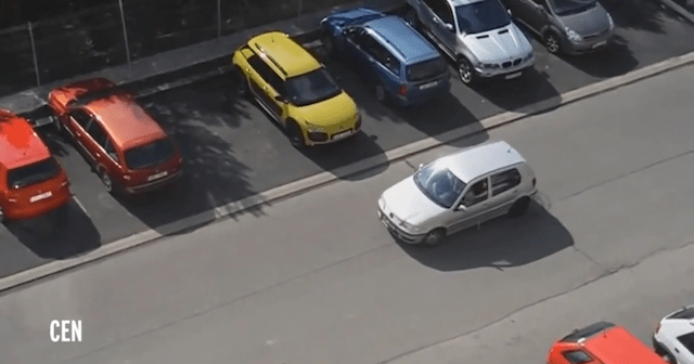 Estacionarse no era tan complicado, hasta ahora...