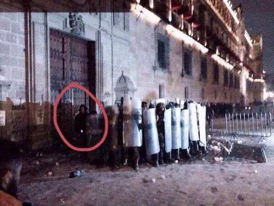 En redes, denuncian que el gobierno planeó el incendio de Palacio Nacional