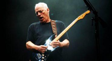 David Gilmour canta