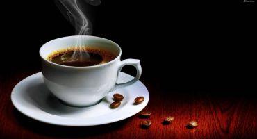 ¿Por qué el café en taza blanca sabe mejor?