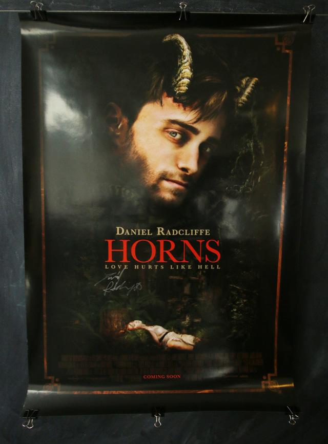 Te regalamos un póster de Horns firmado por Daniel Radcliffe