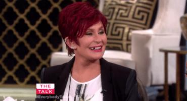Sharon Osbourne pierde un diente en vivo