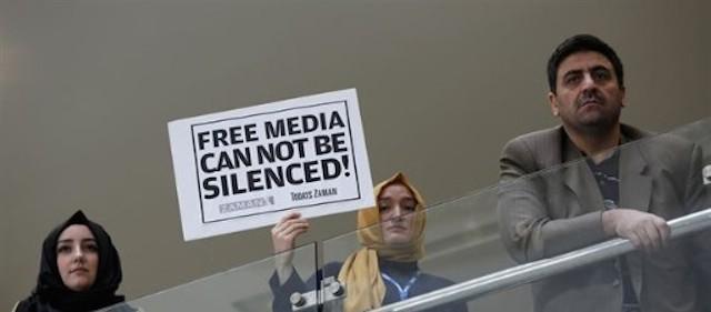 Erdogan detiene a periodistas en ciudades turcas