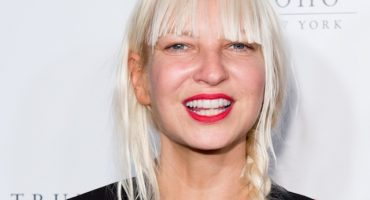 Sia se añade al soundtrack de Fifty Shades of Grey