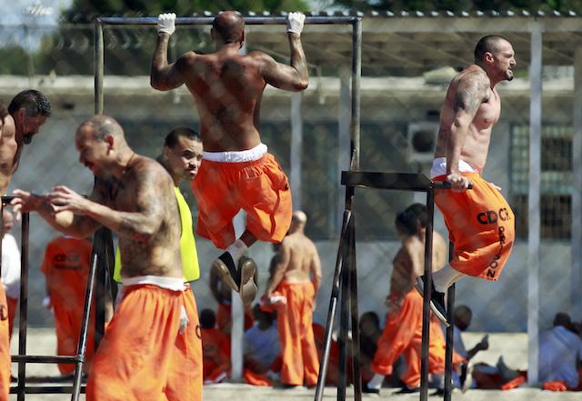 Universal lanza demanda para evitar que mixtapes lleguen a reclusos