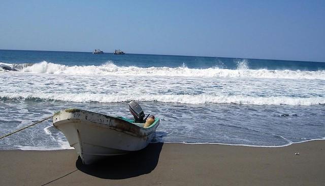 Rescatan a dos náufragos chiapanecos en Guerrero