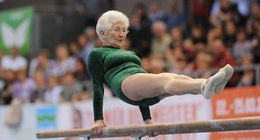 Y con ustedes... la gimnasta más veterana del mundo
