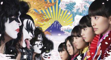 La bizarra colaboración de KISS y las japonesas Momoiro Clover Z