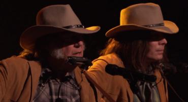 Dos Neil Youngs cantaron