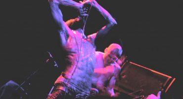 Death Grips transforma su micrófono en una selfie stick para su más reciente video