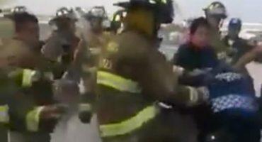 Detienen a bombero