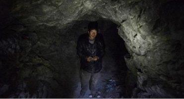 Chino se ahorra la renta viviendo en una cueva