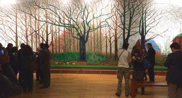 ¿Por qué TIENES que ver la obra monumental de David Hockney?