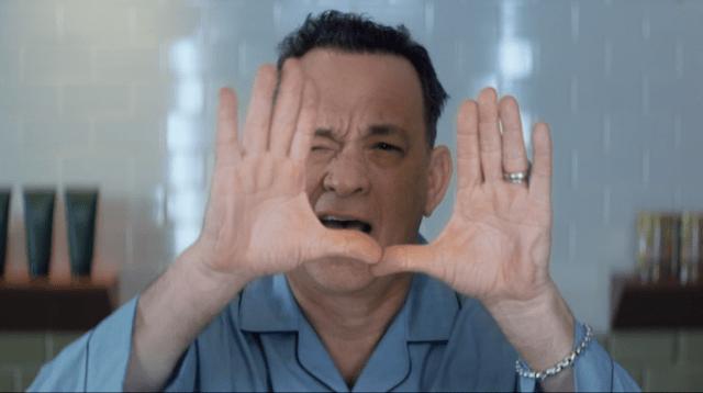 Mira a Tom Hanks regresar a sus días dorados de actuación en el nuevo video de Carly Rae Jepsen