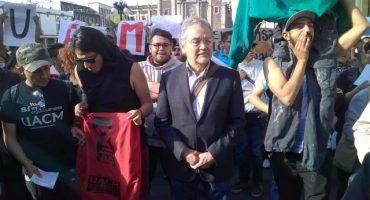 UACM marcha al Zócalo; exigen les devuelvan presupuesto