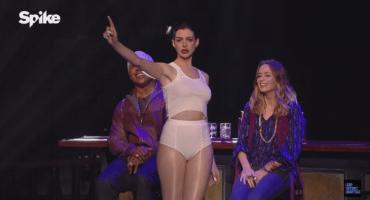 ¿Anne Hathaway cantando