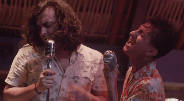 Arena, sol y Humberto Navejas en el nuevo video de los Rebel Cats