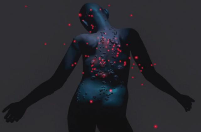 Entra al perturbador mundo de Arca en su nuevo video