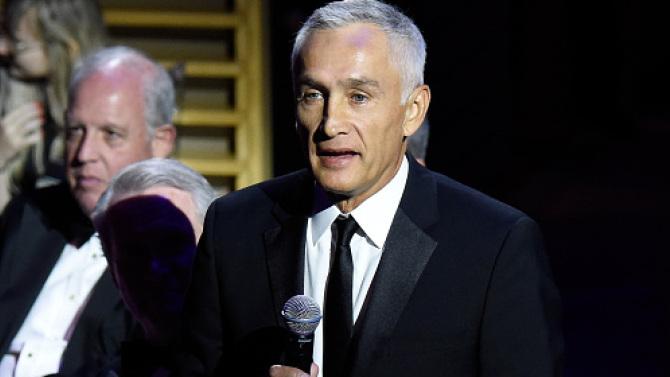 Jorge Ramos pide la renuncia de EPN durante premiación de Time