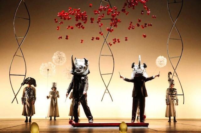 La Verità: Danza, circo y cabaret que se adentran en los sueños