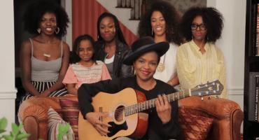 Lauryn Hill interpreta una versión acústica de