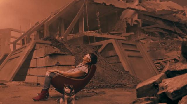 La tristeza y el fin del mundo en el nuevo video de Julian Casablancas + The Voidz