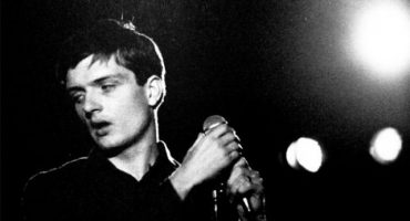 Ian Curtis, a 35 años del comienzo de la leyenda