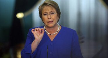 Michelle Bachelet solicita la renuncia a todo su gabinete