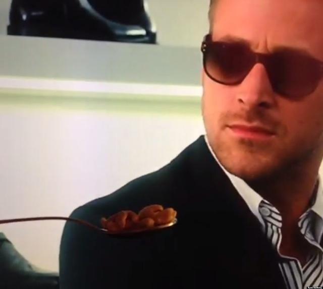 Ryan Gosling rinde tributo al creador del meme del cereal