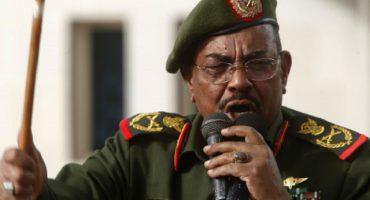 Impiden la salida del presidente de Sudan en Sudáfrica por crímenes de guerra