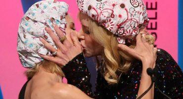 Y en la imagen del día... el beso de Nikole Kidman y Naomi Watts