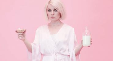 Únete a la resaca de Victoria Hesketh en el nuevo video de Little Boots