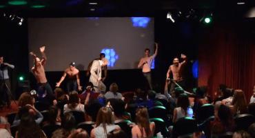 Channing Tatum sorprende a sus fans en una proyección de Magic Mike XXL