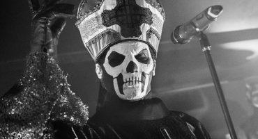 Así fue el macabro debut del Papa Emeritus III con Ghost