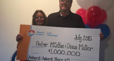 1 entre 26 mil trillones: Lo golpea un rayo y gana la lotería