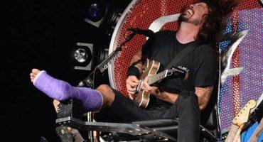 Mira a los Foo Fighters cantando Seven Nation Army con el Dr. de Dave Grohl