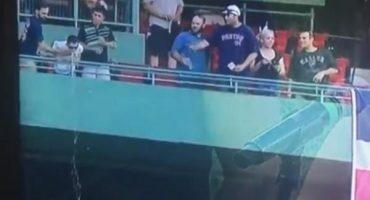Este fanático de Boston vomitó a otros aficionados