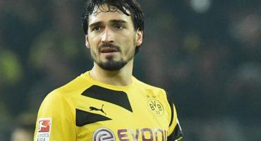 Mats Hummels permanecerá con el Borussia Dortmund