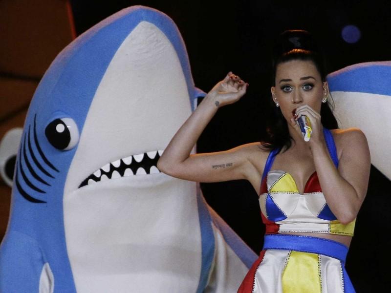 Taylor Swift revive a Tiburón Izquierdo para burlarse de Katy Perry