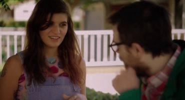 Rivers Cuomo trata de reconquistar a Bethany Cosentino en el nuevo video de Weezer