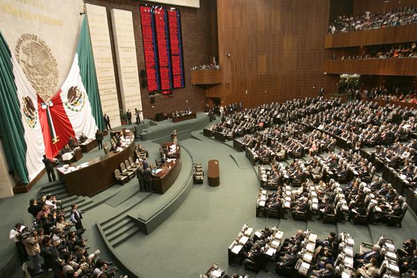 Se despiden diputados con finiquito de 557 millones de pesos
