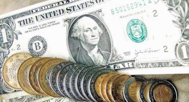Dólar llega a los 17.45 pesos y sigue subiendo
